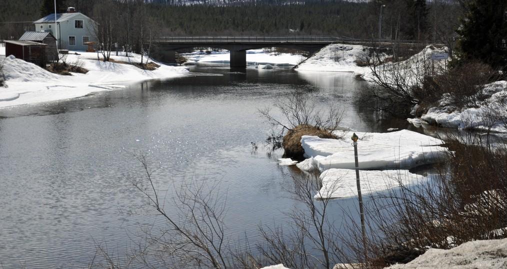 Nedan Tjulåbron den 5 maj